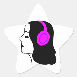 女の子の身に着けているヘッドホーン 星シール