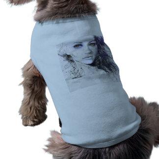女の子の顔は毛のスケッチを注目します ペット服