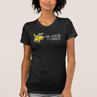 女の子はキッシュにチャンスのTシャツを与えます Tシャツ