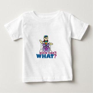 女の子は何できませんか。 ドラマーの女の子のロゴ ベビーTシャツ