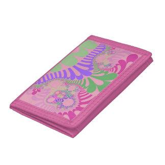 女の子力のモダンな三つ折り財布