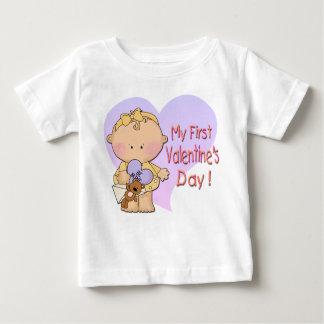 女の子私の第1バレンタインデーの乳児のTシャツ ベビーTシャツ