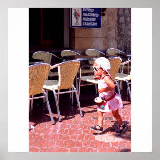 女の子、バルセロナ、スペイン行きます ポスター