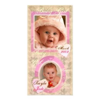 女の赤ちゃんのピンク及びクリーム色のヴィンテージの写真カード カード