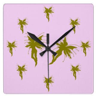 女の赤ちゃんの妖精の国の時計 スクエア壁時計