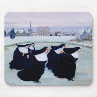 女子修道院の冬 マウスパッド