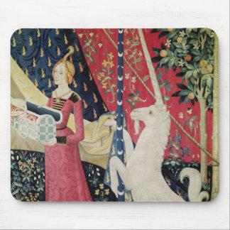 女性およびユニコーン: 「私のdesireだけに マウスパッド