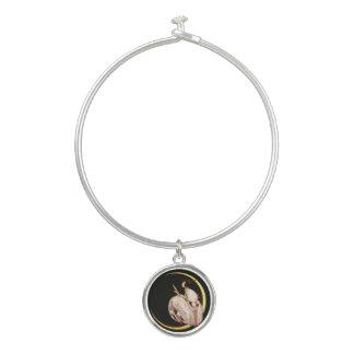女性および月の腕輪のブレスレット バングルブレスレット