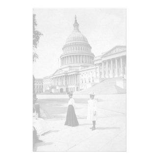 女性が付いている国会議事堂の建物の外面 便箋