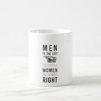 女性が正しい常にので左への人 コーヒーマグカップ