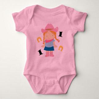 女性のカーボーイのかわいい第1誕生日1枚のYr OldのTシャツ ベビーボディスーツ