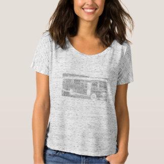 女性のキャンプのGlamping RVのモービルハウスのTシャツ Tシャツ