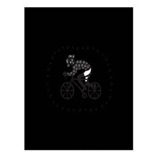 女性のサイクリスト ポストカード