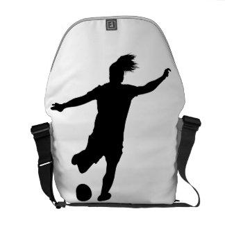 女性のサッカーの選手 クーリエバッグ
