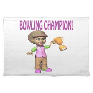 女性のボーリングのチャンピオン ランチョンマット