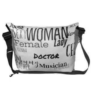 女性のメッセンジャーバッグ(L/black/blackのトリム) メッセンジャーバッグ