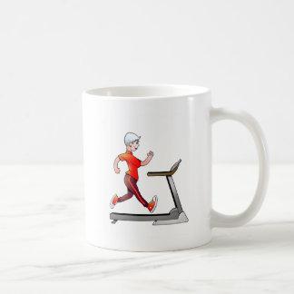 女性の変わり者はそれのためにトレッドミルのマグ行きます コーヒーマグカップ
