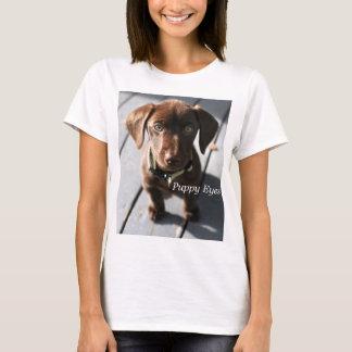 女性の子犬はHanesのNano Tシャツを注目します Tシャツ