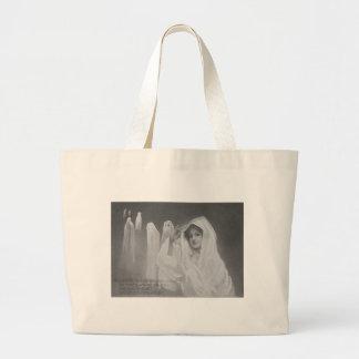 女性の幽霊の衣裳のトリック・オア・トリート ラージトートバッグ