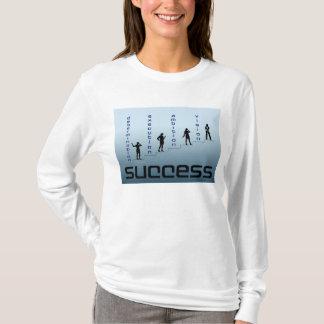 女性の成功の範囲のイメージ Tシャツ