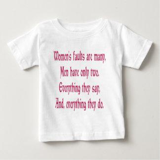 女性の欠陥は多数です ベビーTシャツ