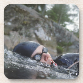 女性の水泳、クローズアップ コースター