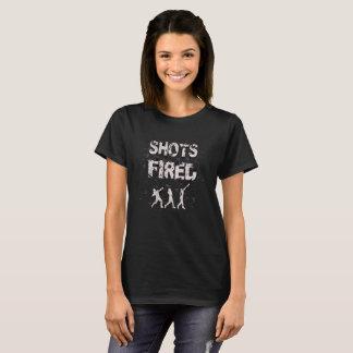 女性の砲丸投げ投球のワイシャツ Tシャツ