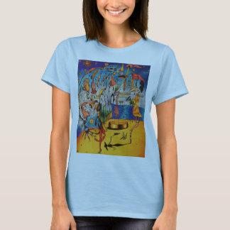 女性の超現実主義的なティー Tシャツ