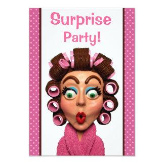 女性の身に着けているCurlersのびっくりパーティ カード
