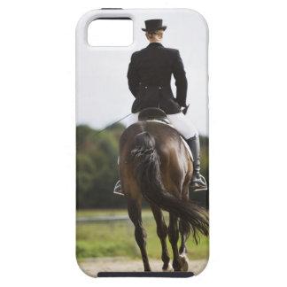 女性の馬場馬術のライダーの運動の背面図 iPhone SE/5/5s ケース
