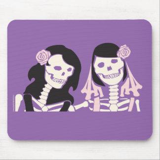女性の骨組カップル マウスパッド