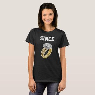 女性の黒いカップルのTシャツ Tシャツ