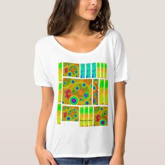 女性のBella+キャンバスのだらしないボーイフレンドのTシャツ Tシャツ