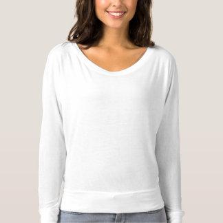 女性のBella Flowyの長袖のワイシャツのテンプレート Tシャツ