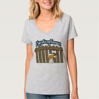 女性のHanesのV首のTシャツ、軽い鋼鉄 Tシャツ