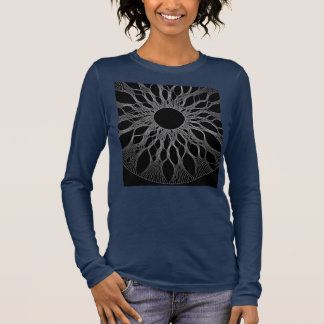 女性のlongsleeveのワイシャツ 長袖Tシャツ