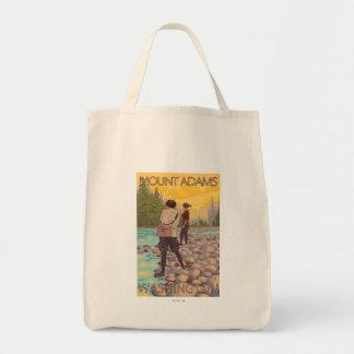 女性は魚釣り-山アダムス、ワシントン州--を飛ばします トートバッグ