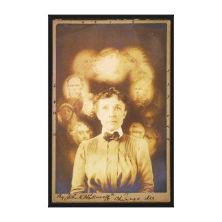 女性を囲んでいる幽霊の精神の写真 キャンバスプリント