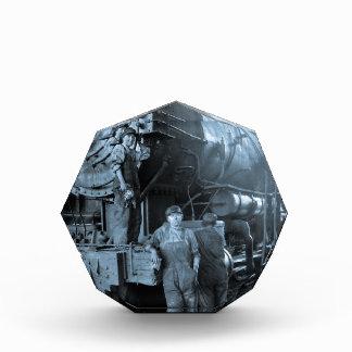 女性円形機関車庫のRosiesのロコモーティブの第1次世界大戦 表彰盾