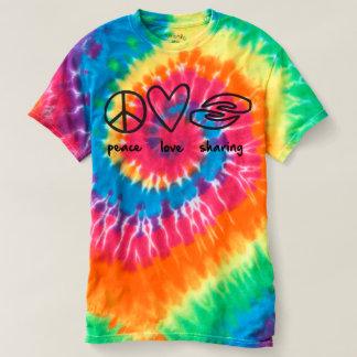 女性多彩な絞り染めを共有する平和愛 Tシャツ