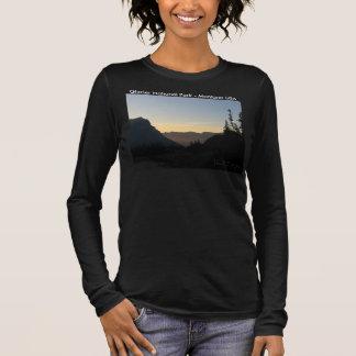 女性3/4の袖の暗いグレーシャー国立公園 長袖Tシャツ