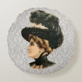 女性#16 (ビクトリアンな時代)のための1899年の帽子 ラウンドクッション