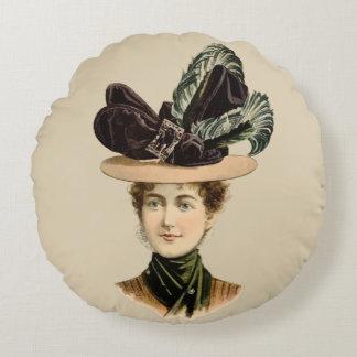 女性#7 (ビクトリアンな時代)のための1899年の帽子 ラウンドクッション
