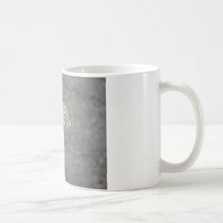 女王のレースの花のアンハチドリ コーヒーマグカップ