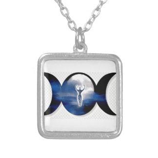 女神の三重の月 シルバープレートネックレス