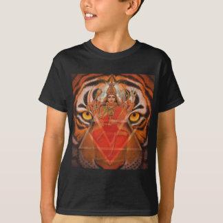 女神DurgaおよびトラのTシャツ Tシャツ