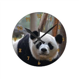 好奇心が強いパンダくま ラウンド壁時計