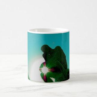 妨害機による緑の思想家 コーヒーマグカップ