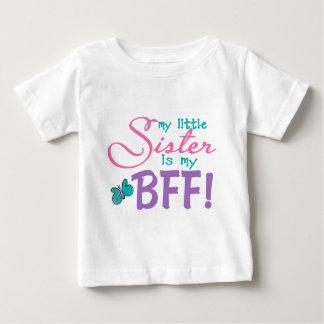 妹BFFの蝶 ベビーTシャツ