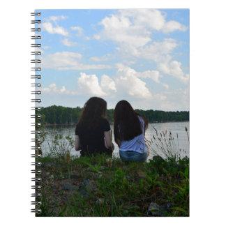 姉妹か友人 ノートブック